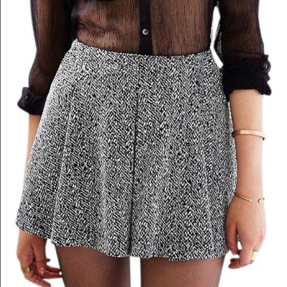 dcd208c4c34d Silence + Noise Twiggy Pleated Mini Skirt. NWT. Urban Outfitters.  M_5bf8b97204e33d9df3aa39a3. M_5bf8b976f63eea6d18243c94.  M_5bf8b978c89e1ded38b1f7d7